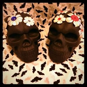 NWT Skulls with Flowers